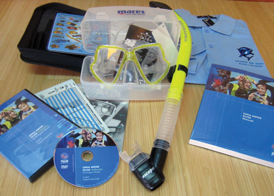 Starting kit include in the Deluxe Open Water Diver course